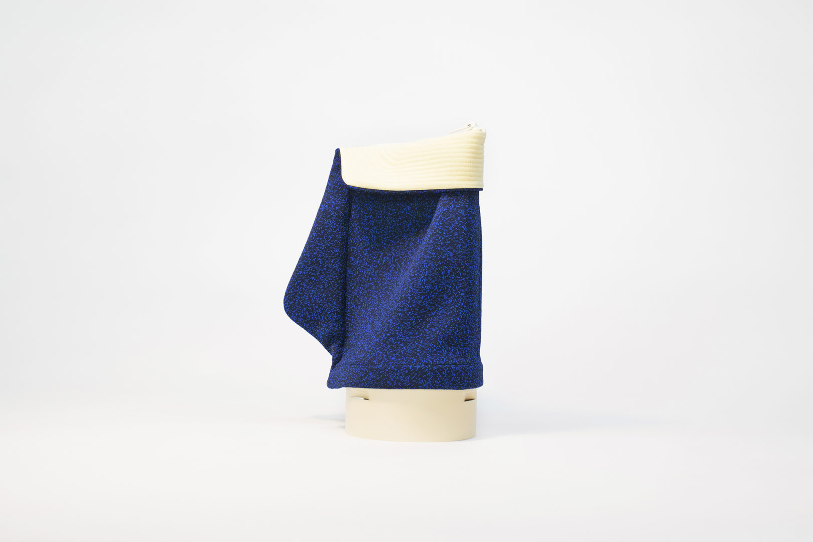 Muette-lamp-blue-Yvan-Caillaud