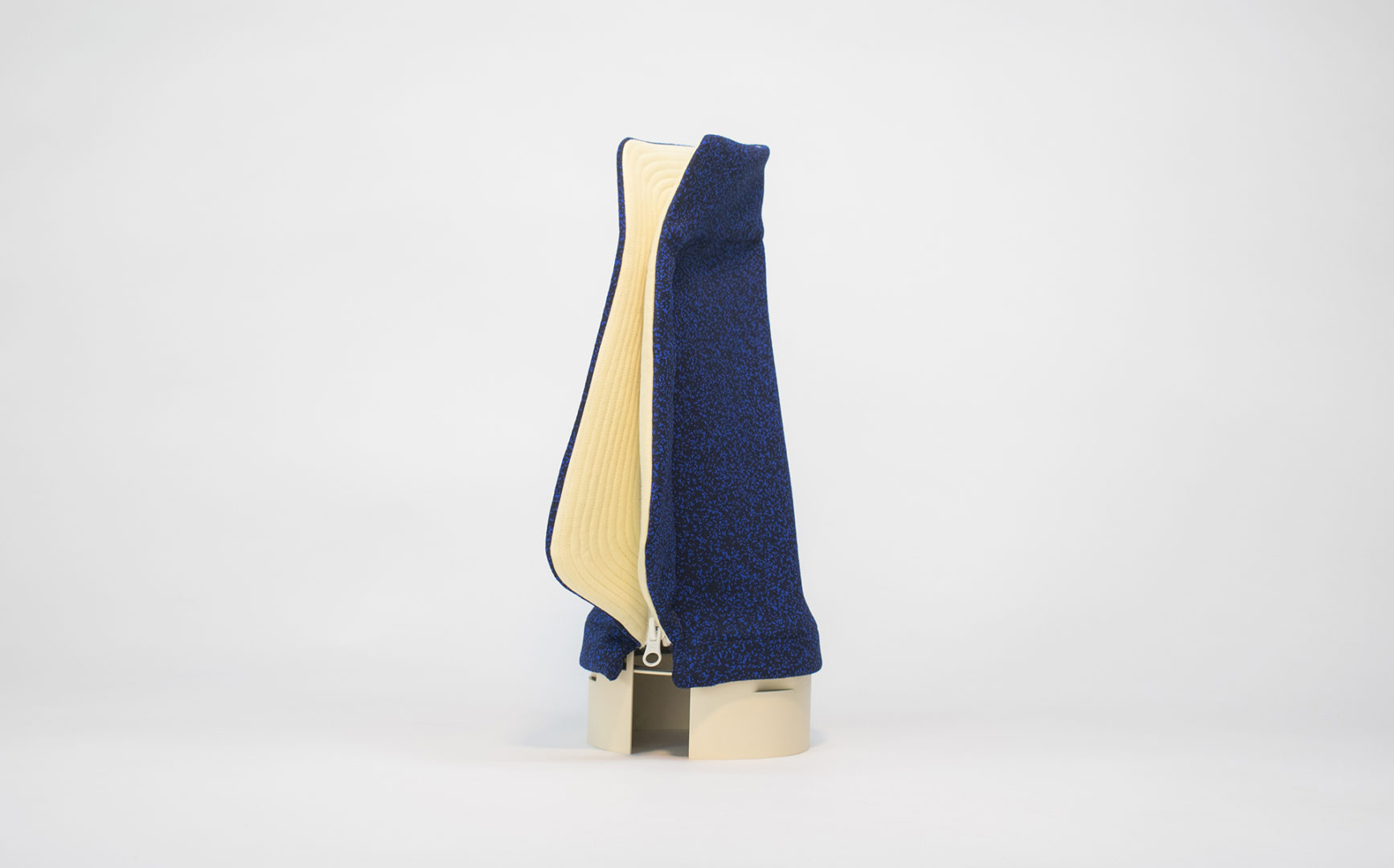 Muette-lamp-blue-Yvan-Caillaud-2